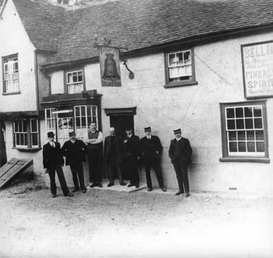 5 Willingales & the Bell Inn